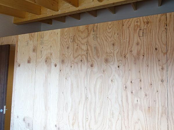 無垢材の壁